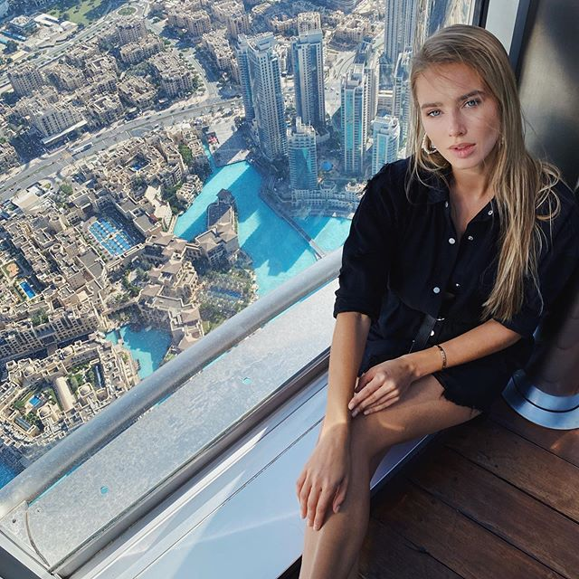 On the top of the world ✨ @signatureelement  #signatureelement  #burjkhalifa