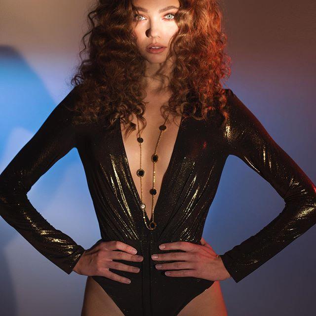 #photo @alla_parhimovich #stylist @rehina_p #model @darya.yanchik  #mua @kajforia #hair @viktoriabrichkovskaya  @latushkina_design