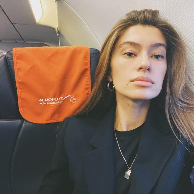 сердечно благодарна @aeroflot за великолепный сервис! Любовь. Уставший и искренне счастливый человек летит домой. ☺️#aeroflot_ru#travel#workhard