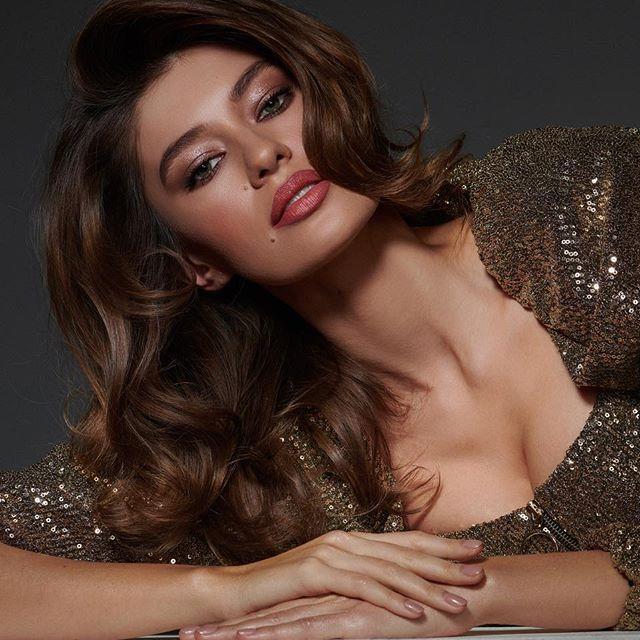 Настроение 🌸🤩💃🏻 @kamilla.kashinaka #makeup#moscow#modeling#beautyshoots