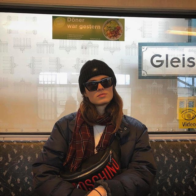 Which one do you prefer? 1 or 2???? Answer it 💓. #berlin #trip #travel #tram #underground #fun #sunglasses #smile #sad #friends #photo #public #outfit #streetstyle #incognito #hat