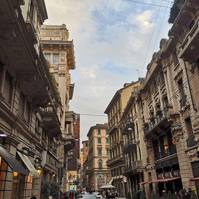 I think it's time for me to stop hating on Milan. I could go there right now. Anywhere. #italy #milano #mediolan #city #missing #travel