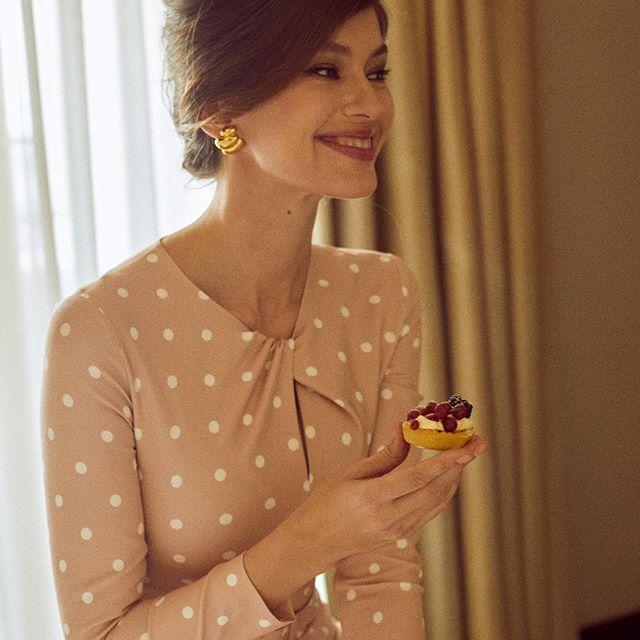 Когда сказали, что можно съесть 🤣 @bendosenko @allabarabashova ❤️😍 #sundayvibes#sweets#happytime