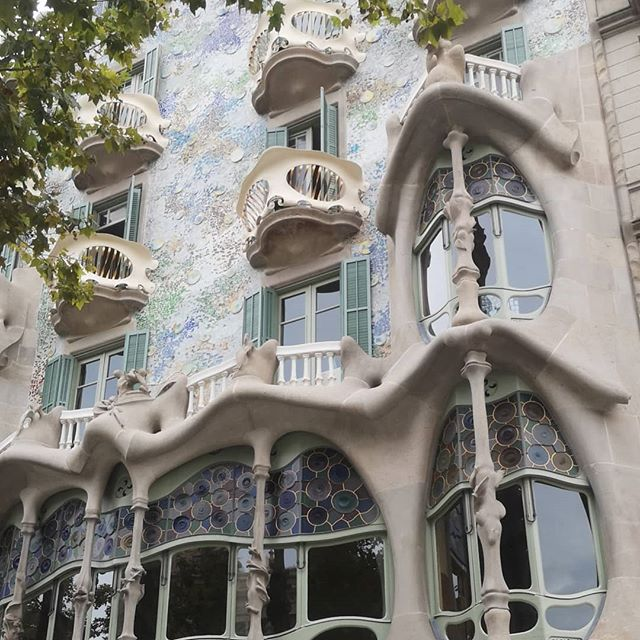 Imma hoe for architecture . . #Barcelona #spain #Hiszpania #architektura #gaudi