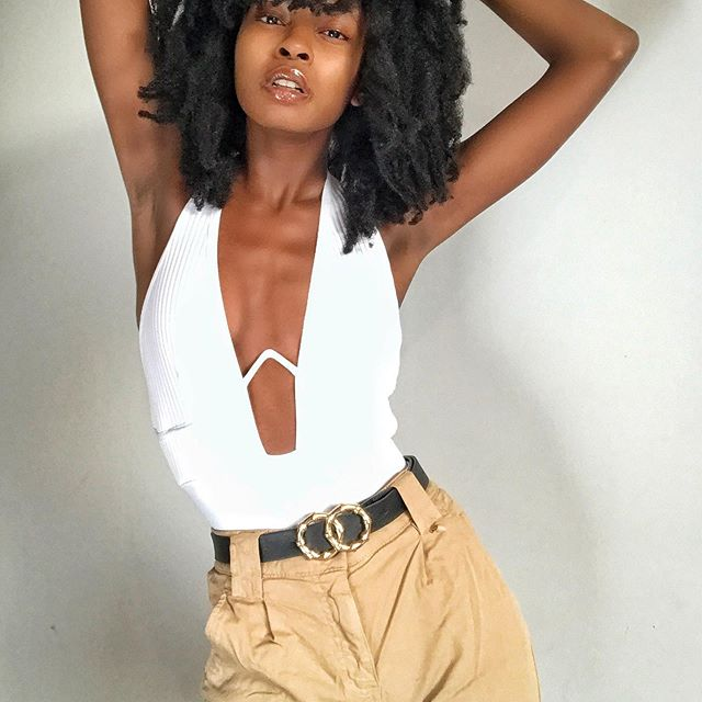 🤍🤎 #model #dancer #choreographer #afro #warsaw #warsawgirl #image #photography #naturalhair #blackgirlmagic