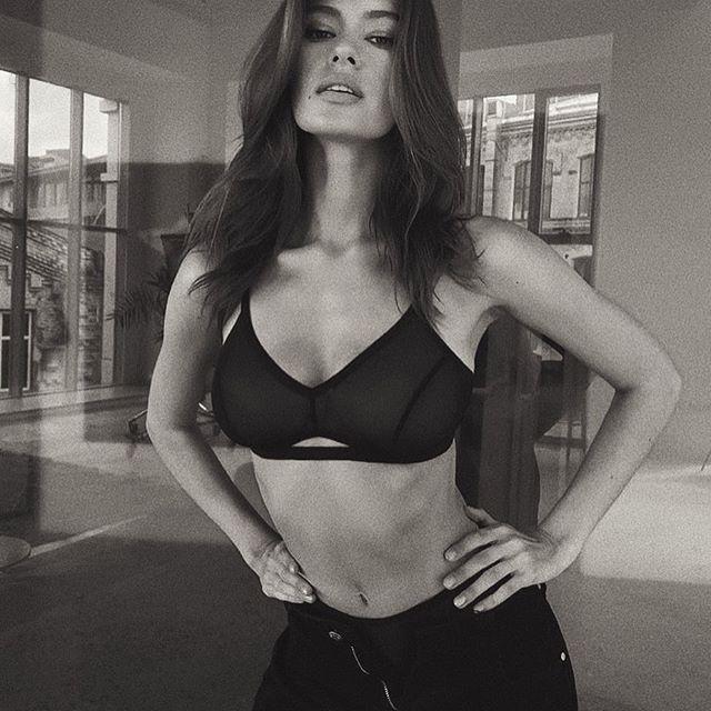 Вам так понравилась эта фотография 😁 Так что оставлю ее здесь 🥀 #moscow#russia#lingeriemodels
