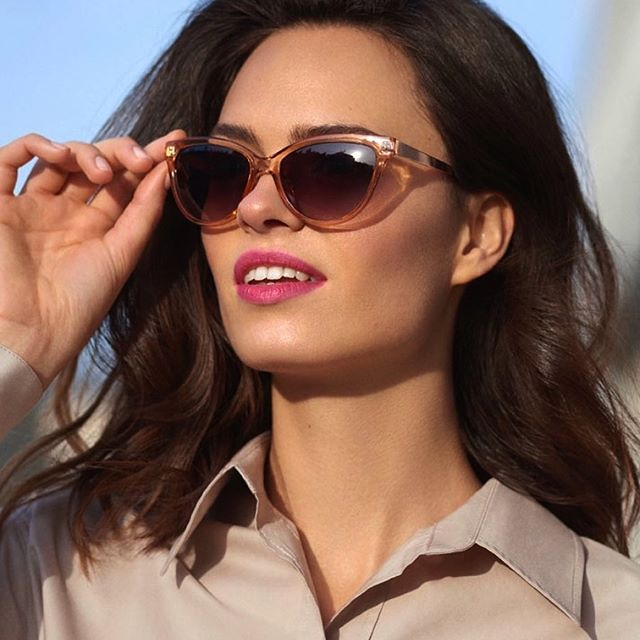 Razi 🌅  @anger_models @avon_polska  @lukaszpecak  #modeling #work #photoshoot #model #sunglasses #avon #avonpolska #job #fun #advertisement #beauty #face #catalogue #summer #sunday #lips #glam #fashion #look
