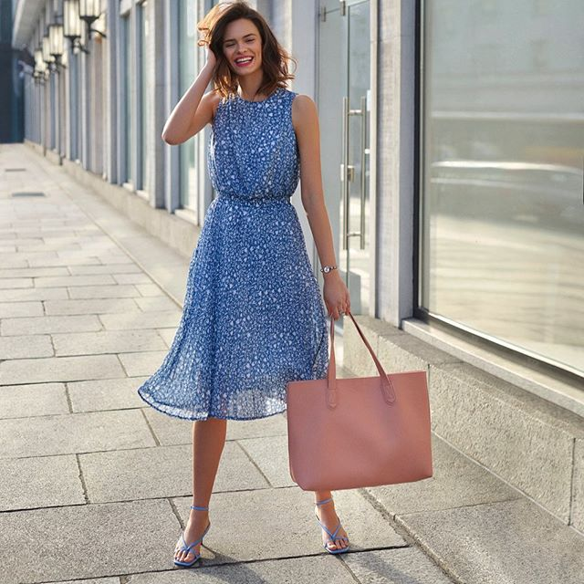 Summer vibes 👛 @anger_models @avon_polska  #summer #shooting #vibes #model #modeling #smile #advertisement #avon #work #fun #love #dress #glam #classy #beauty
