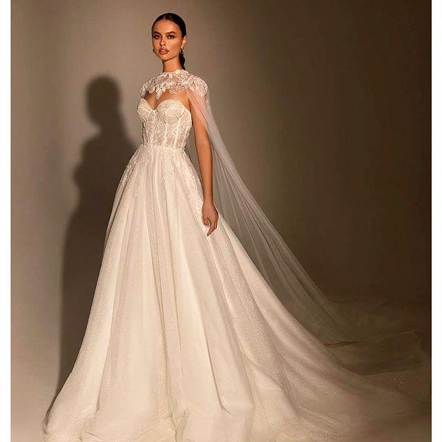 Ещё немного красоты от новой коллекции свадебных  платьев @wona_concept @wona.nyc ✨    📸 @marianakogut    m&h @deneka_oksana  @mary.tsyhylyk   style @yuliya_nonfruit @ser.tsa   @anger_models