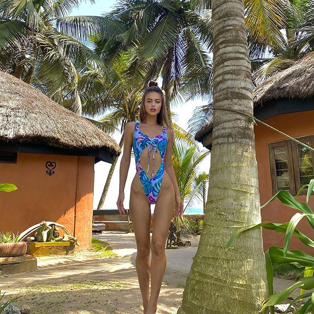 Swimsuit by @elegance_lingerie_ 💙